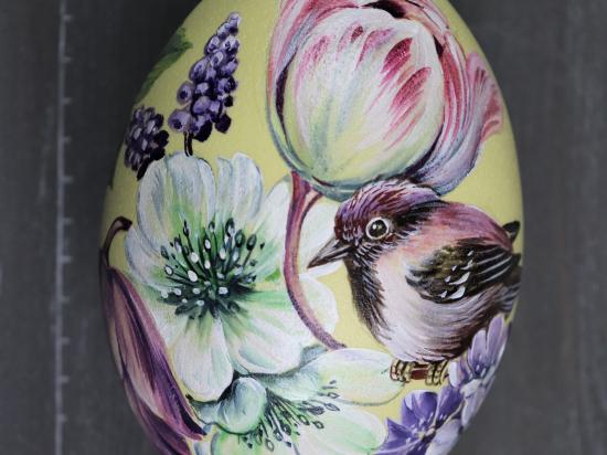 Vögel in Blumen